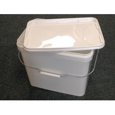 11 litre White Rectangular Bucket - With metal handle JETR 110P